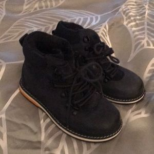 Little boys Zara Boots